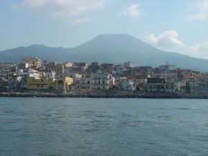 Побережье Неаполитанского залива возле Везувия